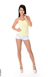 Hintergrundbilder iStripper Lady Dee Weißer hintergrund Brünette Hand Shorts Bein High Heels Mädchens