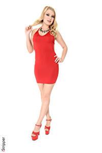 Bilder iStripper Lucy Heart Weißer hintergrund Blondine Kleid Hand Bein Stöckelschuh junge Frauen