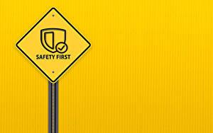 Hintergrundbilder Wort Englisch Farbigen hintergrund safety first, road sign