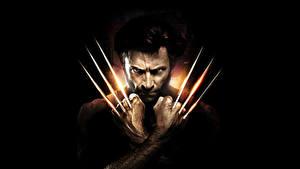 Hintergrundbilder Hugh Jackman Mann Logan – The Wolverine Krallen Schwarzer Hintergrund Hand Wolverine Film Prominente