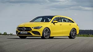Fotos Mercedes-Benz Gelb Metallisch Kombi CLA, 4Matic automobil