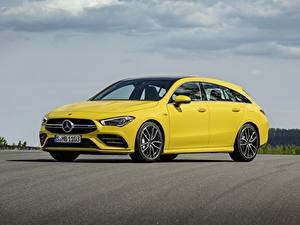 Fotos Mercedes-Benz Gelb Metallisch Kombi CLA, 4Matic automobil