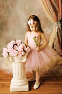 Fonds d'écran Rosiers Petites filles Rose couleur Les robes Enfants
