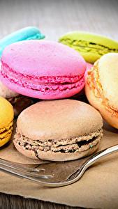 Fotos Süßigkeiten Kekse Macaron Essgabel