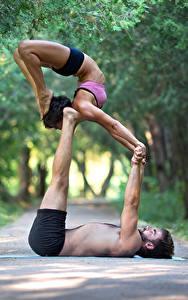 Hintergrundbilder Mann Gymnastik 2 Körperliche Aktivität Hand Bein Sport Mädchens