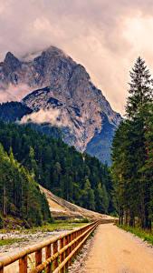 Hintergrundbilder Gebirge Straße Alpen Fichten Zaun Natur