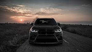 Bureaubladachtergronden BMW Vooraanzicht Zwart kleur 2018 X5M Z Performance Auto