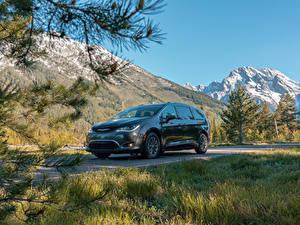 Bilder Chrysler Grau Metallisch Hybrid Autos