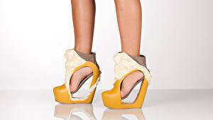 Hintergrundbilder Kreativ Hautnah Bein Stöckelschuh heels junge Frauen