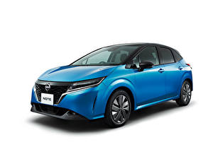 Fotos Nissan Hellblau Metallisch Weißer hintergrund Note e-POWER, JP-spec (E13), 2020 Autos