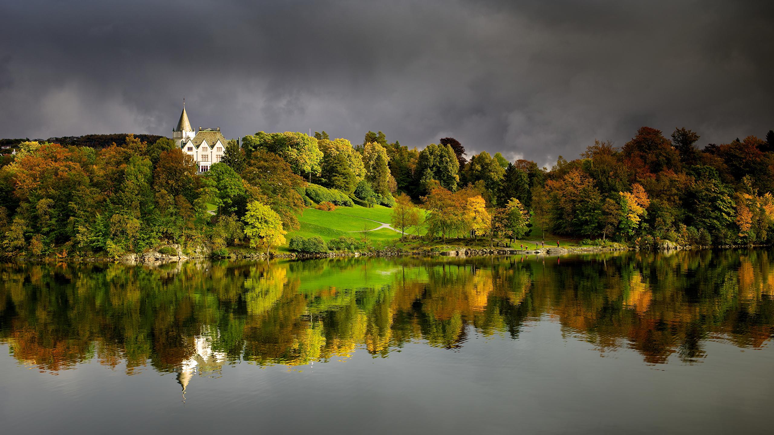 Desktop Wallpapers Bergen Norway Gamlehaugen Autumn Nature 2560x1440