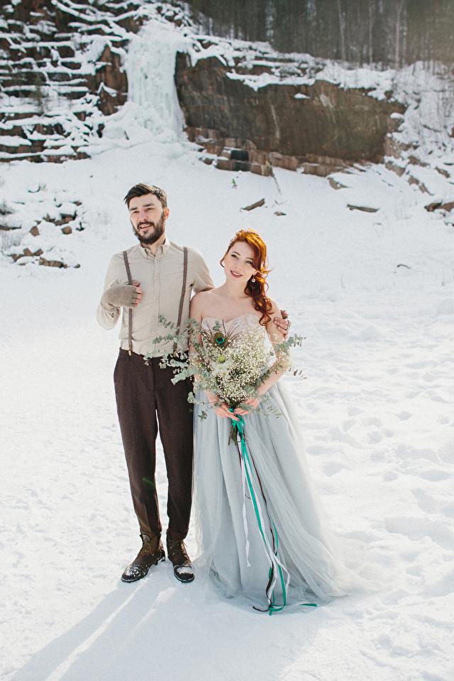 Fotos Bräutigam Braut Sträuße Liebe Winter Mädchens Kleid 640x960 bräute junge frau junge Frauen