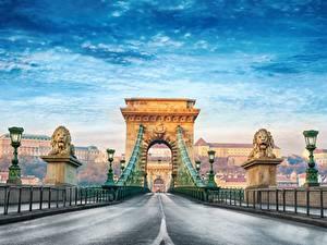 Fotos Brücke Wege Budapest Ungarn Bogen architektur Straßenlaterne Chain Bridge