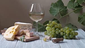 Hintergrundbilder Stillleben Wein Weintraube Käse Bretter Weinglas Schneidebrett Blattwerk