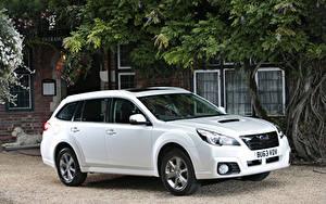 Fotos Subaru Weiß 2013  Outback 2.0D SZ Lineartronic