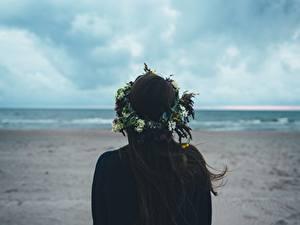 Hintergrundbilder Brünette Kranz Hinten Haar