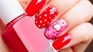 Papéis de parede Dia dos Namorados Dedos da mão En gran plano Manicuro Design Coração
