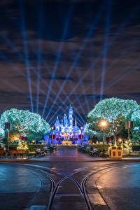 Bilder USA Disneyland Park Wege Kalifornien Anaheim Design Nacht Straßenlaterne Städte