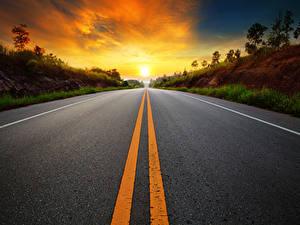 Fotos Sonnenaufgänge und Sonnenuntergänge Straße Asphalt Strips