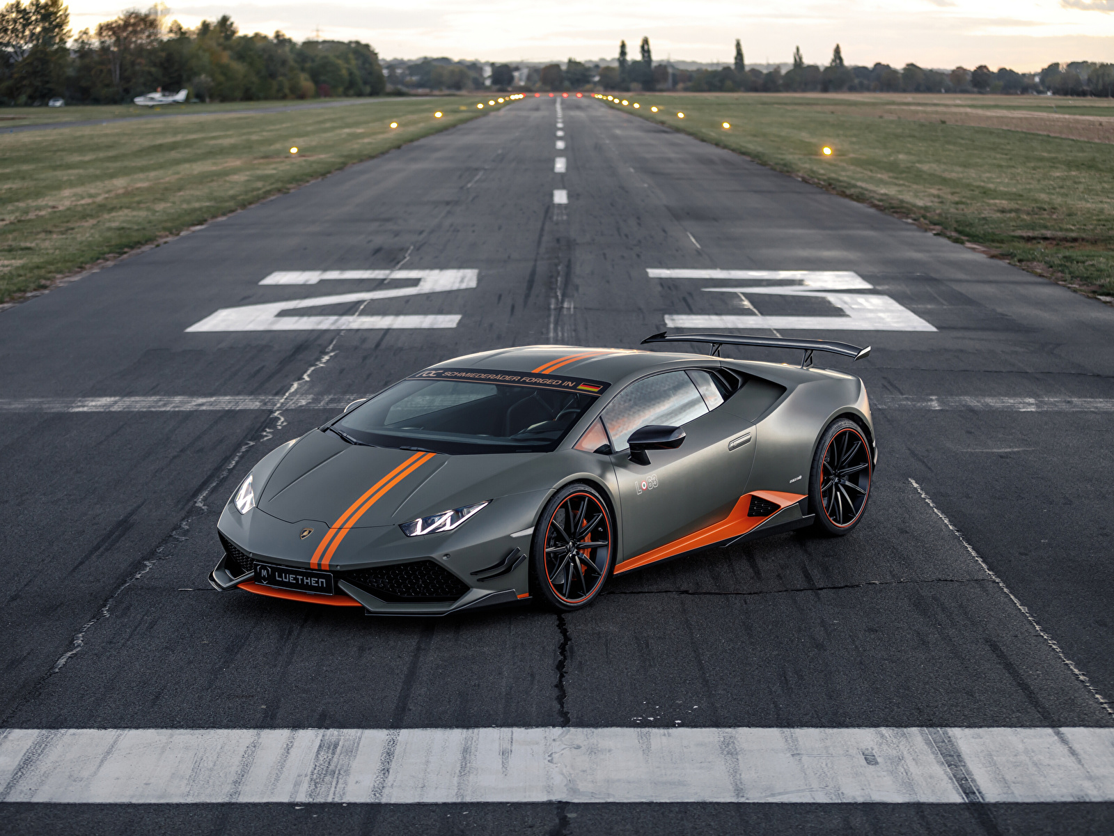 Foto Lamborghini 2018-19 Luethen Motorsport Huracan LP 610-4 Avio graue Autos 1600x1200 Grau graues