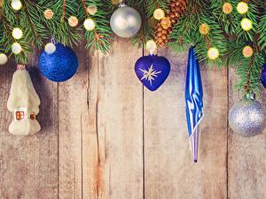 Bilder Neujahr Bretter Ast Kugeln Lichterkette