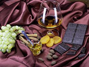 Fotos Schokolade Weintraube Whiskey Zimt Dubbeglas Weinglas