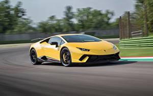 Hintergrundbilder Lamborghini Gelb Bewegung Huracan Performante Autos