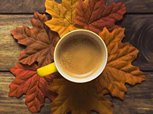 Fotos Herbst Kaffee Bretter Blatt Tasse