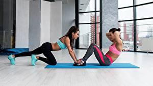 Fotos Fitness Trainieren Zwei Mädchens