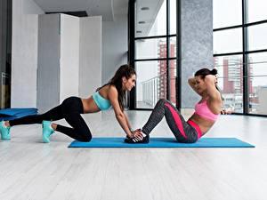 Fotos Fitness Körperliche Aktivität 2 Mädchens