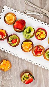 Hintergrundbilder Süßigkeiten Törtchen Obst Bretter