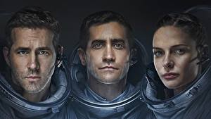 Pictures Astronaut Ryan Reynolds Three 3 Life 2017, Jake Gyllenhaal, Rebecca Ferguson film Celebrities Girls