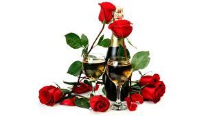 Fotos Schaumwein Rosen Weinglas Flasche Weißer hintergrund Blumen