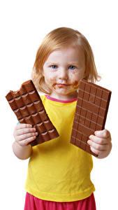Hintergrundbilder Schokolade Schokoladentafel Weißer hintergrund Kleine Mädchen Blick