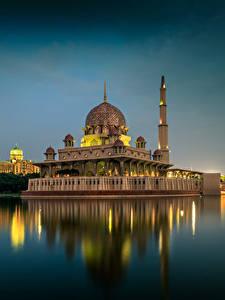 Fotos Malaysia Tempel Gebäude Flusse Abend Kuala Lumpur Städte