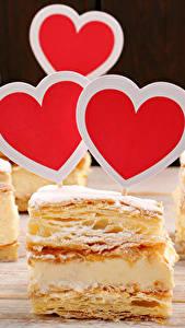 Papel de Parede Desktop Dia dos Namorados Confecção Pequeno bolo Coração Alimentos