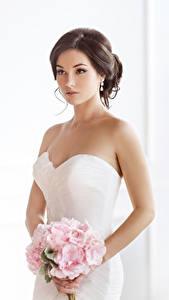 Fonds d'écran Bouquets Aux cheveux bruns Mariées Les robes