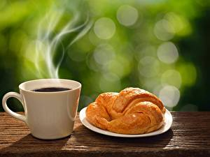 Hintergrundbilder Croissant Kaffee Tasse Dampf Lebensmittel