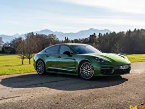 Hintergrundbilder Porsche Grün Metallisch Panamera 4S Worldwide, (971), 2020 Autos
