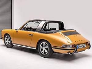 Fotos Antik Porsche Gelb Porsche 911 S 2.0 Targa Sportomatic Autos