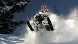 Hintergrundbilder Winter Schneemobil Helm Brille Schnee Sprung sportliches