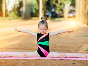 Hintergrundbilder Gymnastik Kleine Mädchen Spagat Hand Kinder