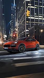 Fotos Porsche Nacht Stadtstraße Orange Fahren Cayenne Turbo 2019 Autos