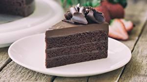 Hintergrundbilder Torte Schokolade Stück Teller Lebensmittel