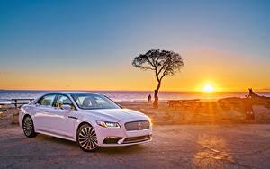 Bilder Lincoln Sonnenaufgänge und Sonnenuntergänge Weiß Metallisch Sonne 2017 Continental Autos
