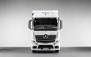 Hintergrundbilder Mercedes-Benz Lastkraftwagen Vorne Weiß Metallisch