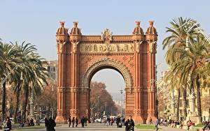 Hintergrundbilder Denkmal Spanien Bogen architektur Stadtstraße Barcelona Palmengewächse Triomphe Städte