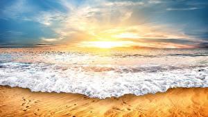 Desktop hintergrundbilder Morgendämmerung und Sonnenuntergang Meer Wasserwelle Himmel Natur