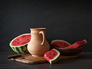 Hintergrundbilder Wassermelonen Grauer Hintergrund Kanne Schneidebrett Lebensmittel