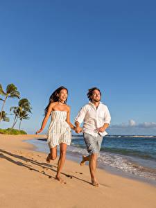 壁纸、、男性、愛、海岸、茶色の髪の女性、喜び、走る、2 二つ、ドレス、、